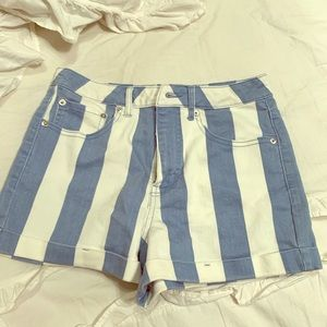 Stripped Shorts